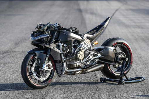 2020-Ducati-Superleggera-V4-32