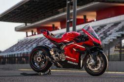 2020-Ducati-Superleggera-V4-36