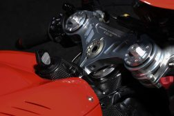 2020-Ducati-Superleggera-V4-44