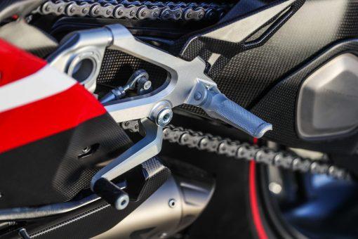 2020-Ducati-Superleggera-V4-51