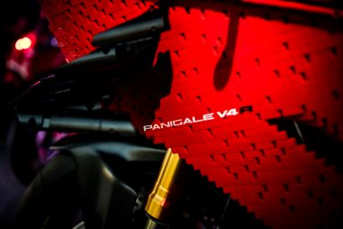Ducati-Panigale-V4-R-lego-build-11
