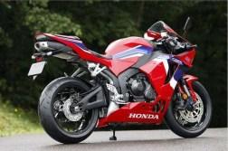 2021-Honda-CBR600RR-04