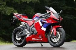 2021-Honda-CBR600RR-11