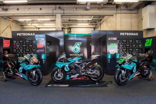 Petronas-Yamaha-YZF-R1-MotoGP-replica-03