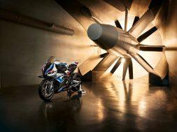2021-BMW-M1000RR-superbike-29