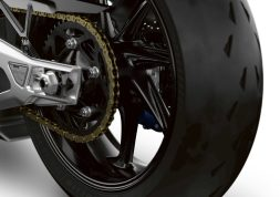 2021-BMW-M1000RR-superbike-43