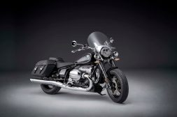 2021-BMW-R18-Classic-27