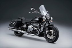2021-BMW-R18-Classic-29