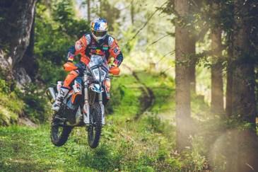 2021-KTM-890-Adventure-R-Rally-13