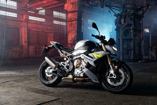 2021-BMW-S1000R-24