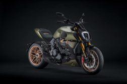 2021-Ducati-Diavel-1260-Lamborghini-05