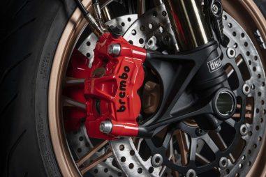 2021-Ducati-Diavel-1260-Lamborghini-34
