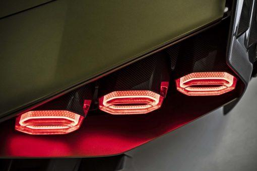 2021-Ducati-Diavel-1260-Lamborghini-78
