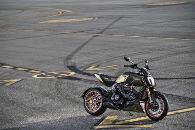 2021-Ducati-Diavel-1260-Lamborghini-80