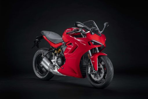 2021-Ducati-SuperSport-950-01