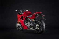 2021-Ducati-SuperSport-950-S-57