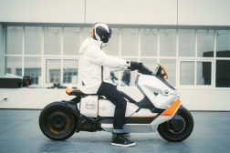 BMW-Motorrad-Definition-CE-04-66