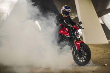 2021-Ducati-Monster-Plus-57