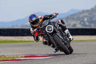 2021-Ducati-Monster-Plus-67