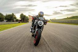 2021-Ducati-Monster-Plus-76