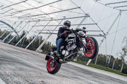 2021-Ducati-Monster-Plus-81