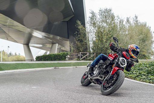 2021-Ducati-Monster-Plus-82