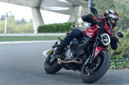 2021-Ducati-Monster-Plus-86
