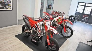 Honda-XR650-Ultramotard-VMX-Restomod-01