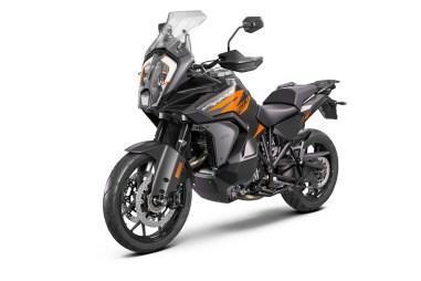 2021-KTM-1290-Super-Adventure-S-09