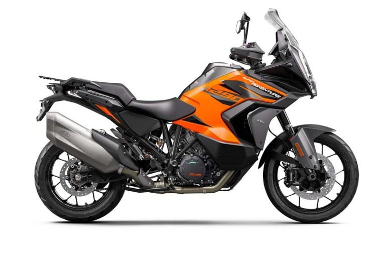 2021-KTM-1290-Super-Adventure-S-14