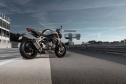 2021-Triumph-Speed-Triple-1200-RS-35