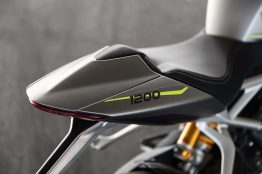 2021-Triumph-Speed-Triple-1200-RS-45