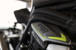 2021-Triumph-Speed-Triple-1200-RS-49