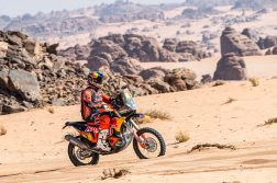 Toby-Price-Zip-tie-Dakar-Rally-KTM-09