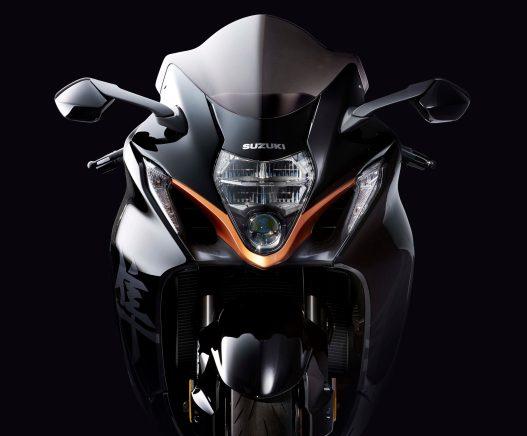 2022-Suzuki-Hayabusa-action-37