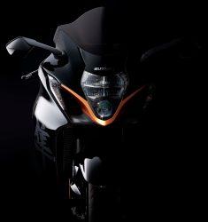 2022-Suzuki-Hayabusa-action-38