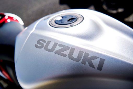 2022-Suzuki-Hayabusa-action-59
