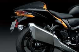 2022-Suzuki-Hayabusa-details-41