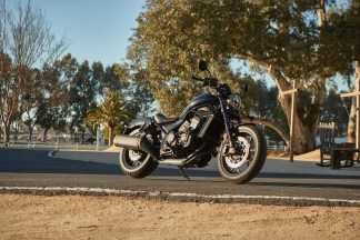 Honda-Rebel-1100-black-12