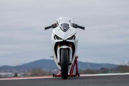 2021-Ducati-SuperSport-950-28