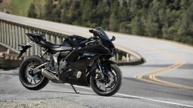 2022-Yamaha-YZF-R7-europe-20