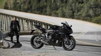 2022-Yamaha-YZF-R7-europe-21