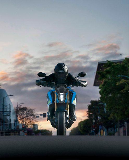 2022-Suzuki-GSX-S1000-07