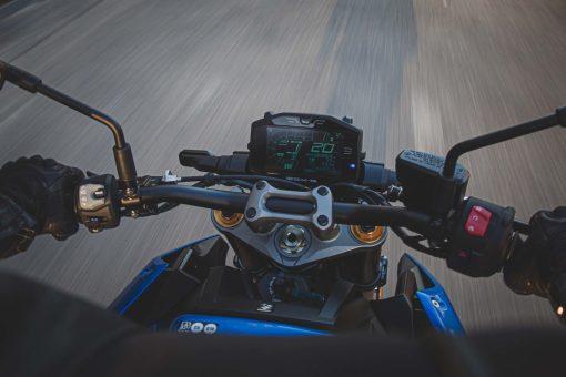 2022-Suzuki-GSX-S1000-09