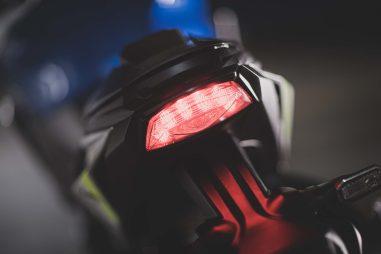 2022-Suzuki-GSX-S1000-15