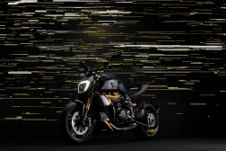 Ducati-Diavel-1260-S-Black-and-Steel-07