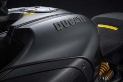 Ducati-Diavel-1260-S-Black-and-Steel-23