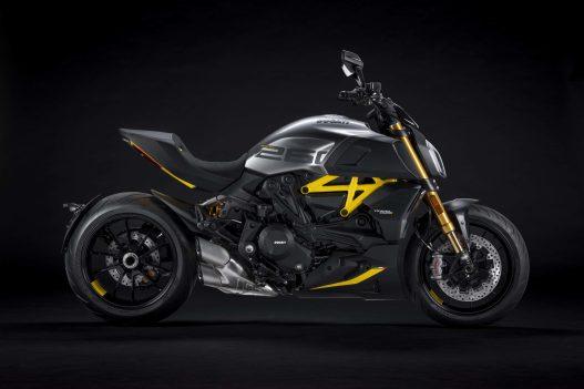 Ducati-Diavel-1260-S-Black-and-Steel-30