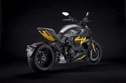 Ducati-Diavel-1260-S-Black-and-Steel-39