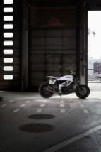 Stoker-STR-SV650-flat-track-custom-03